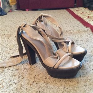 BURBERRY PLATFORM WOOD LEATHER STRAPPY HEELS, NEW